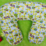 Kado Lahiran Bayi Terbaik Bantal Menyusui atau Nursing Pillow motif keroppi