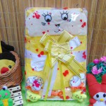 Kado Lahiran Paket Kado Bayi Baby Gift Box Selimut Carter Plus Baby Sock Yellow Cute