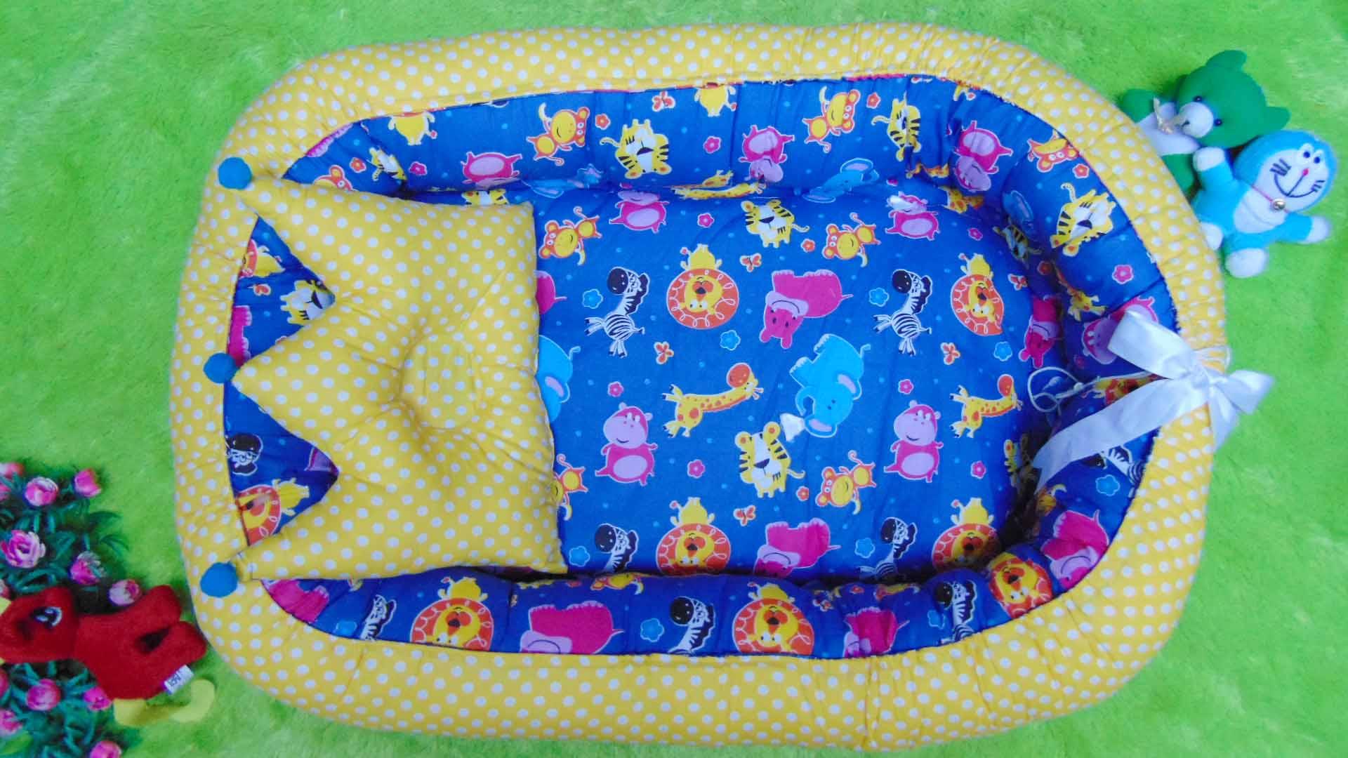 Kado Lahiran Terbaik Murah Baby Nest Kasur Bayi BONUS BANTAL PEYANG motif safari blue yellow