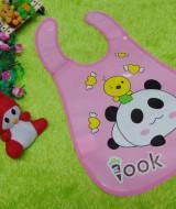 Slabber Plastic Celemek Bayi Slaber Plastik Waterproof Baby Bib Apron Tadah Liur motif panda
