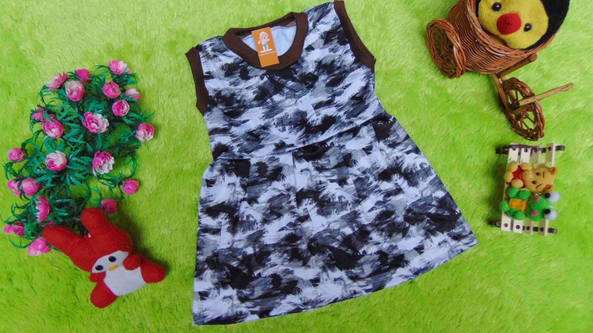 baju bayi perempuan cewek 0-6bulan dress alisa sketch abu 22 lebar dada 24cm bisa melar,panjang 39cm,bahan lembut,bikin dedek bayi tambah cantik