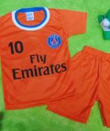 Setelan Baju Bola Bayi 0-12bulan PSG Paris Saint Germany Orange 25 lebar dada 25cm,panjang baju 35cm,panjang celana 27cm,bikin dedek bayi makin kece