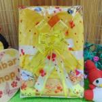 FREE KARTU UCAPAN Kado Lahiran Paket Kado Bayi Baby Gift Box Selimut Carter Plus Baby Sock Yellow Bird 75 terdiri dari selimut carter extra lembut,handuk kecil,kaos kaki boneka baby