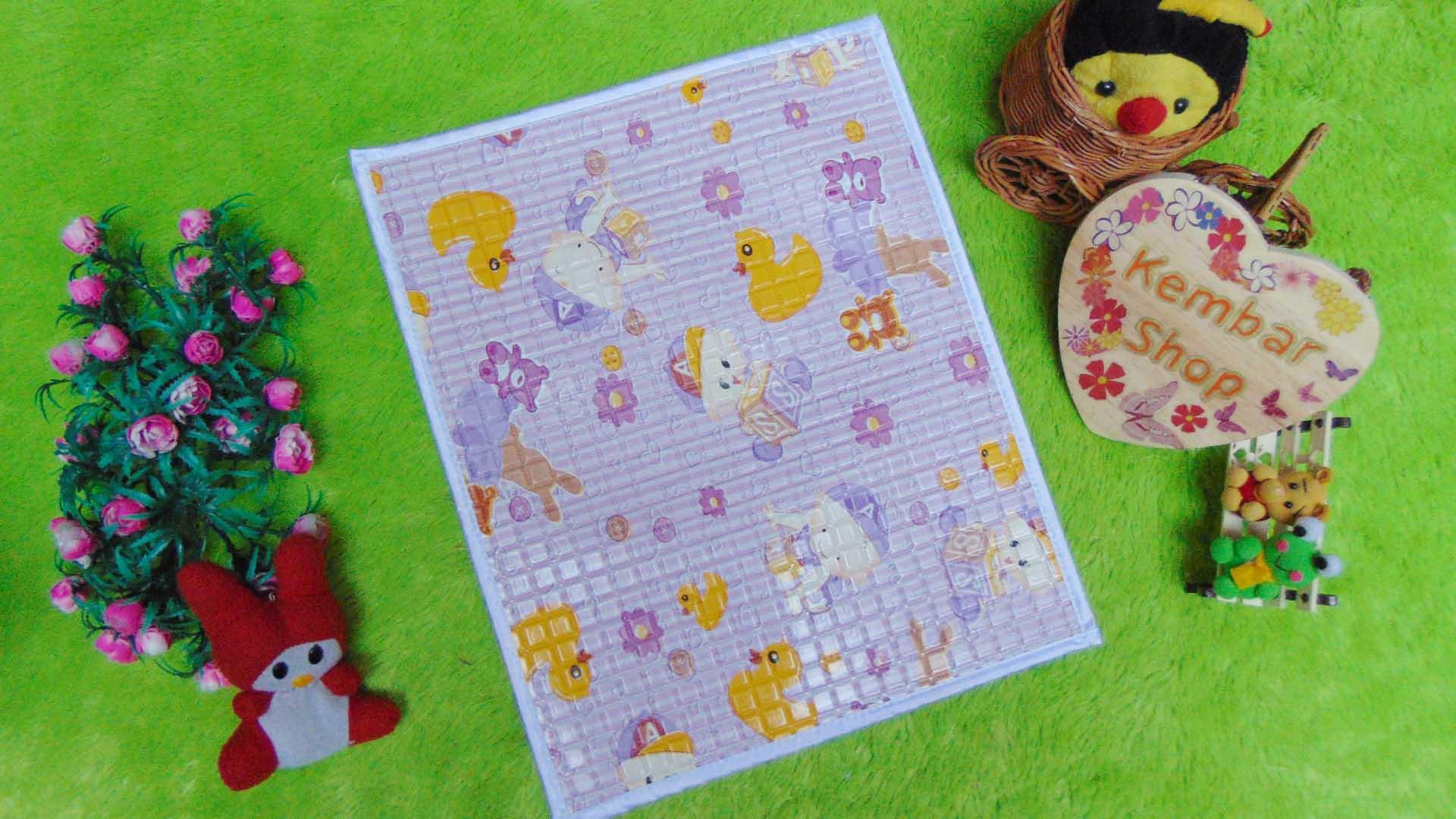 Perlak Gendong Bayi Portable Alas Ompol Baby motif baby warna ungu