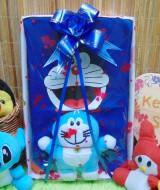 foto utama - paket kado box bayi newborn baby gift hadiah lahiran karakter doraemon