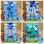 Foto utama FREE KARTU UCAPAN Kado Lahiran Paket Kado Bayi Baby Gift Box Selimut Carter Plus Baby Sock BOY copy