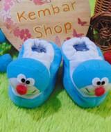 foto utama kado bayi baby gift set sepatu prewalker alas kaki newborn 0-6bulan lembut motif doraemon