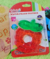 Gigitan bayi reliable water filled teether anggur merah