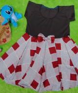 dress baju pesta anak bayi perempuan cewek newborn 0-12bulan pita pastel cokelat kotak-kotak depan 29 bahan satin lembut,nyaman untuk bayi, lebar dada 27cm, panjang 52cm, slkn dcocokkan dg uk baby