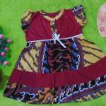 dress batik cewek baju batik bayi perempuan 0-12bulan pita lengan sayap motif batik maroon 25,lebar dada 30cm,panjang baju 48cm ,bahan adem lembut, ada kancing hidup, cocok utk harian