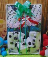 foto utama FREE KARTU UCAPAN Kado Lahiran Box Paket Kado Bayi Perempuan Cewek Baby Gift Dress Boots Dalmation Turqoise