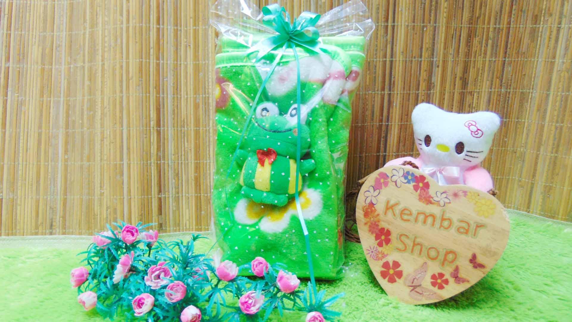 FREE KARTU UCAPAN kado bayi baby gift set selimut topi bayi bludru plus boneka (4)