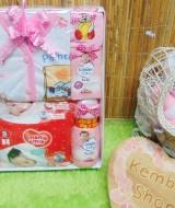 FREE KARTU UCAPAN Kado Lahiran Paket Kado Bayi Newborn Baby Gift Box Diapers Pospak plus Setelan Bayi (1)