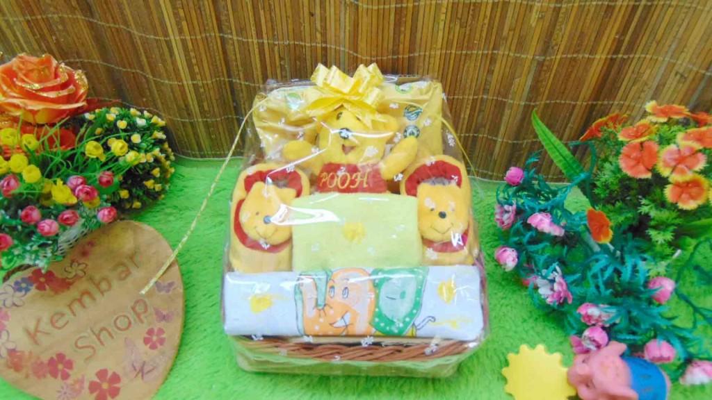 FREE KARTU UCAPAN Parcel Kado Bayi Newborn Karakter Wipes (3)