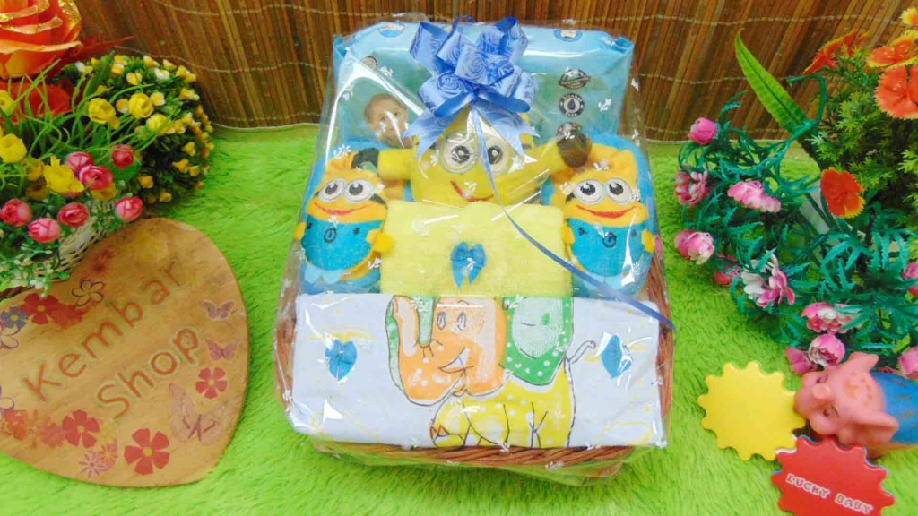 FREE KARTU UCAPAN Parcel Kado Bayi Newborn Karakter Wipes (5)