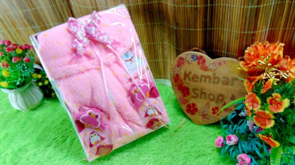 4 FREE KARTU UCAPAN paket kado lahiran bayi baby gift set box jaket plus sock ANEKA motif