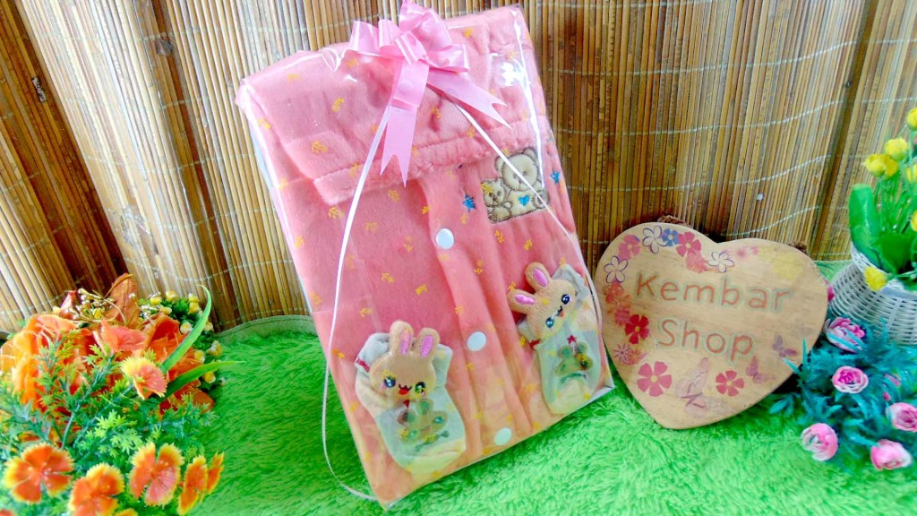 7 FREE KARTU UCAPAN paket kado lahiran bayi baby gift set box jaket plus sock ANEKA motif